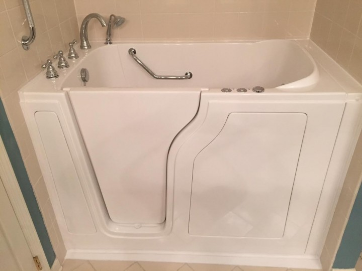 After Bathtub converted to Walk in Tub by Independent Home Products, LLC in Bellevue, WA